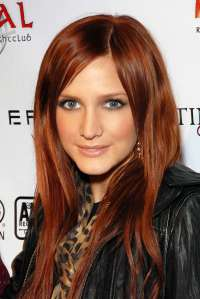 ashlee-simpson-recording-artists-and-groups-photo-1