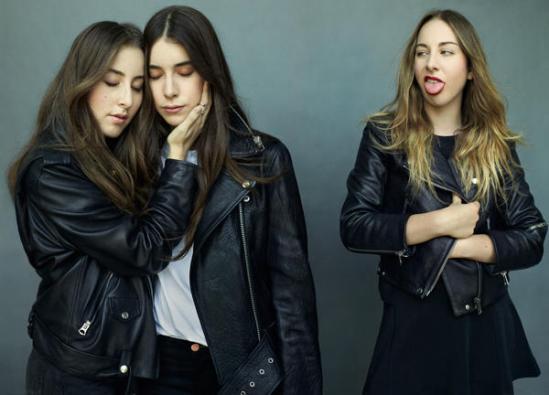 How_Haim_s_Three_Geeky_Sisters-85e14dc14250323dd73d87c36cf2d4f1