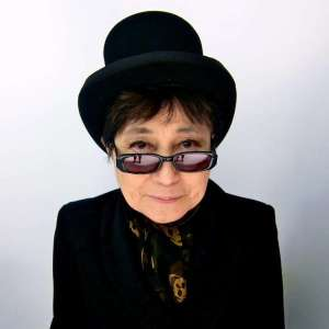yoko-ono-recording-artists-and-groups-photo-u3