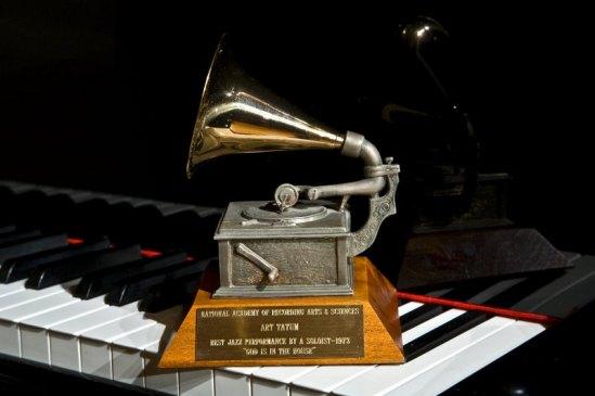 0030 Zenph Tatum Grammy Statue 2-14-09