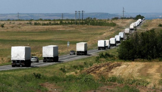Trucks with humanitarian aid for southeastern Ukraine on their way to Luhansk, August 17