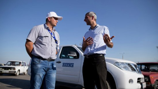 OSCE observers near the border between Russia and Ukraine