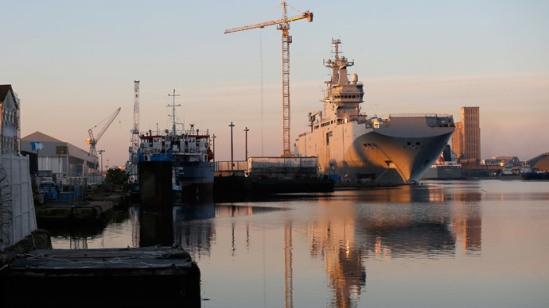 The Mistral-class helicopter carrier Vladivostok is seen at the STX Les Chantiers de l'Atlantique shipyard site in Saint-Nazaire, September 4, 2014.(Reuters / Stephane Mahe)