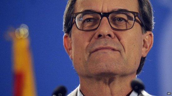 Catalonia's regional president Artur Mas says an official referendum is needed
