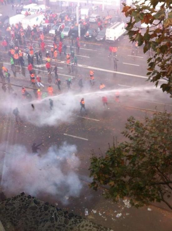 Violent clashes erupt in Brussels between anti-government protesters and riot police
