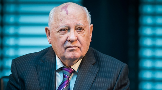 "Former President of the Soviet Union Mikhail Gorbachev attends a symposium on security in Europe 25 years after the fall of the ""Wall"" in Berlin on November 8, 2014 (AFP Photo / Odd Andersen)"