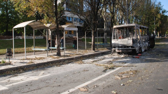 A Donetsk bus stop, which was destroyed by a Ukrainian military artillery attack. (RIA Novosti/Gennady Dubovoy)