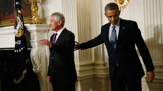 U.S. President Barack Obama (R) and Defense Secretary Chuck Hagel after the president announced Hagel's resignation at the White House in Washington, November 24, 2014 (Reuters / Kevin Lamarque)